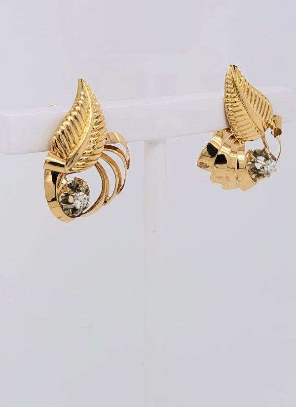 Mesure et art du temps - Diamonds on Shape Leaf Yellow Gold Stud Earrings