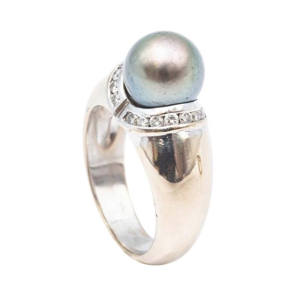 Mesure et art du temps - 18 Karat White Gold Ring with a Tahitian Pearl and Diamonds