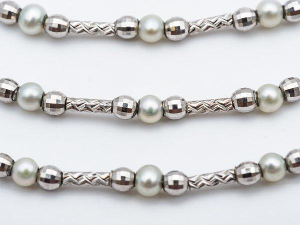 mesure et art du temps - Flexible Necklace with 3 Rows of 18 Karat White Gold and Fine Pearls. Bijouterie - Bijoux précieux - Perles - Or blanc