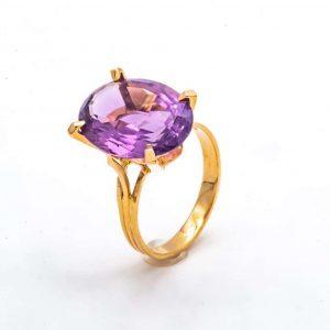 Mesure et art du temps - 18 Karat Yellow Gold Ring with an Amethyst