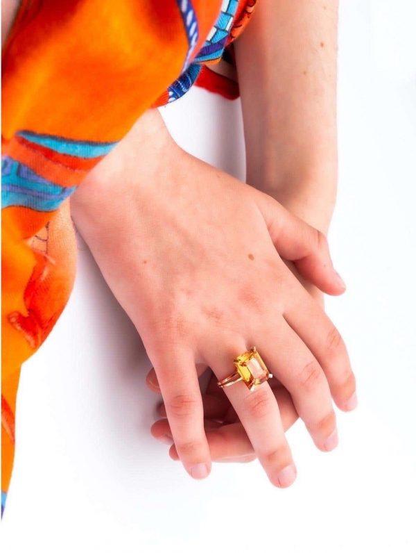 Mesure et art du temps - Yellow Gold Ring with Emerald cut Citrine
