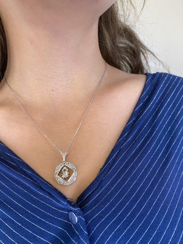 Mesure et art du temps - Necklace Geometric Pendant 18 Carat White Gold with Diamonds and Articulated Dia. Bijoutier - Joaillier - France - Vannes