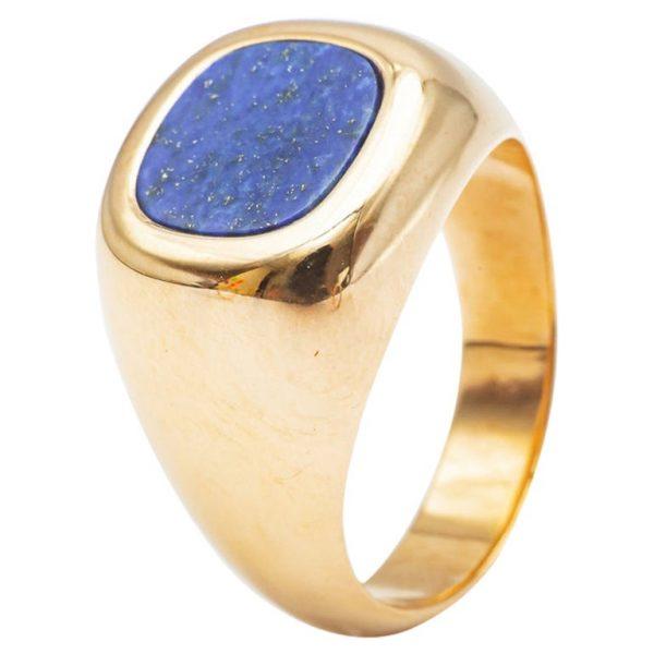 mesure et art du temps - Ring Chevalière Yellow Gold 18 carats and Lapis Lazuli Ring style signet ring with a lapis lazulis cushion cut. Lapis Lazulis plate that can be engraved Lapis Lazulis width : 0,85 cm Lapis Lazulis length: 0.9 cm Size: 53 FR, 6,5 US , M UK