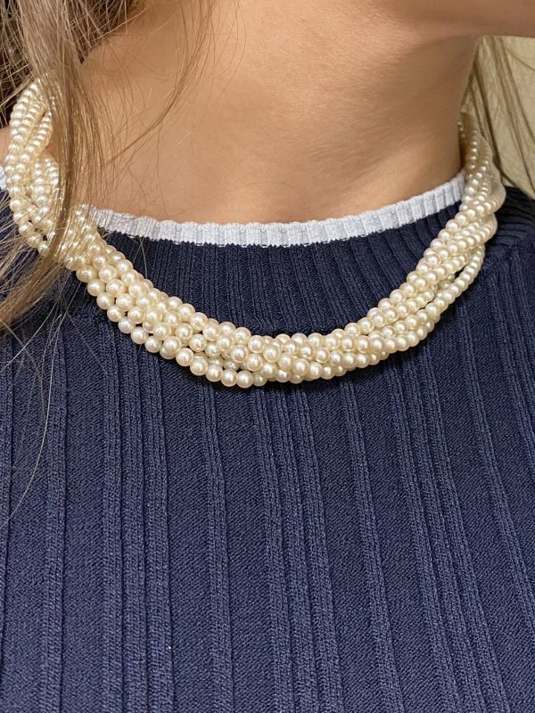 Mesure et art du temps - 6 Row Cultured Pearls Necklace . Bijoutier - Joaillier - Atelier de bijouterie - 18 carats - Yallow Golds - Vannes - Bretagne - Morbihan - France