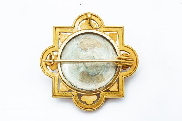 Mesure et art du temps - Antique Religious Brooch Micro Mosaic 18K Yellow Gold . Bijoutier - Joaillier - Bijoux anciens - Horloger - Horlogerie - Vannes - France - Bretagne - Morbihan