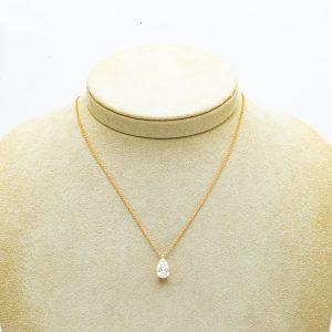 Mesure et art du temps - Pear cut diamond pendant mounted on 18 karat rose gold GIA Pear cut diamond 1.810 carats mounted on 18 karat rose gold with its chain. Shape : P Color : G Clarity: SI2