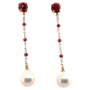 Mesure et art du temps - 18 karat rose gold garnet and pearl pendant earrings Briolette cut garnet 2 of diameter 0,7 cm and 6 of diameter 0,2 cm. Fine pearls 2 of diameter 1 cm and 6 of diameter 0,2 cm. Length 6,3 cm